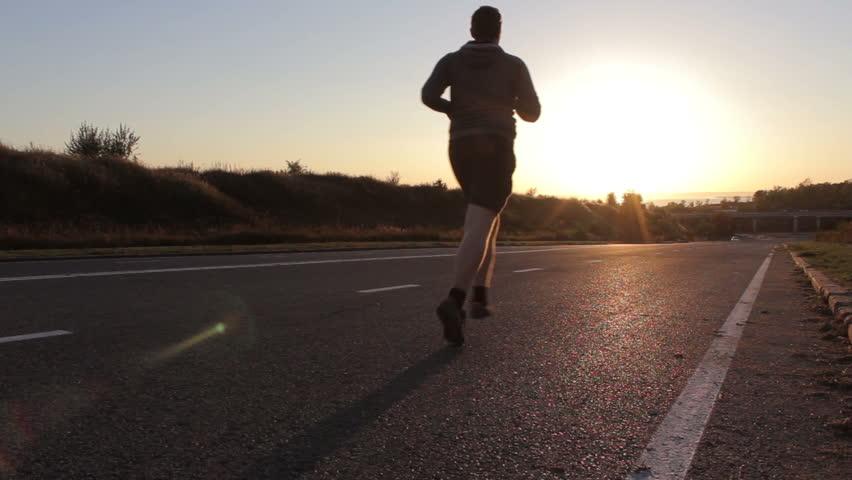 ออกกำลังกายในตอนเช้า มีข้อดีอะไรบ้าง?